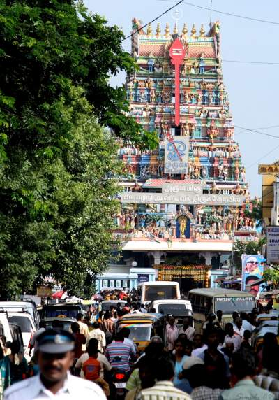 vadapalani murugan temple abhishekam timings